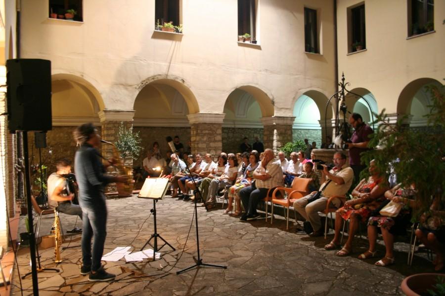 Passeggiate in musica: ultimo appuntamento al Chiostro dei Frati Minori